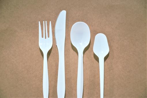 תמונה של סכינים חד פעמי לבנות  100 יח'